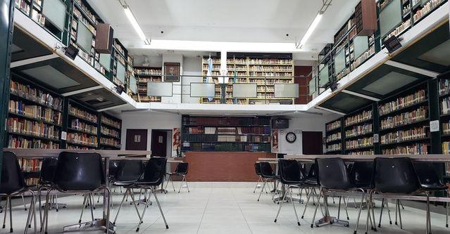 Sala principal y primer piso